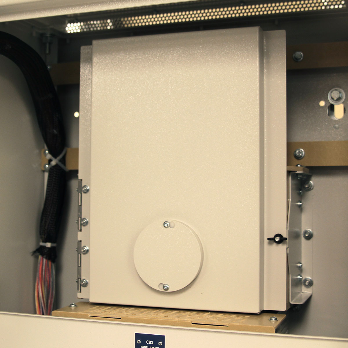 LayerZero Series 70: eRPP-SL1 Input Door with InSight IR™ Portholes.